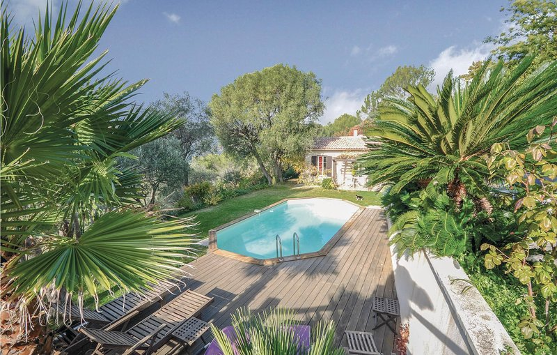 Beautiful home in Nice with WiFi and 3 Bedrooms (FCA558), vacation rental in Colomars