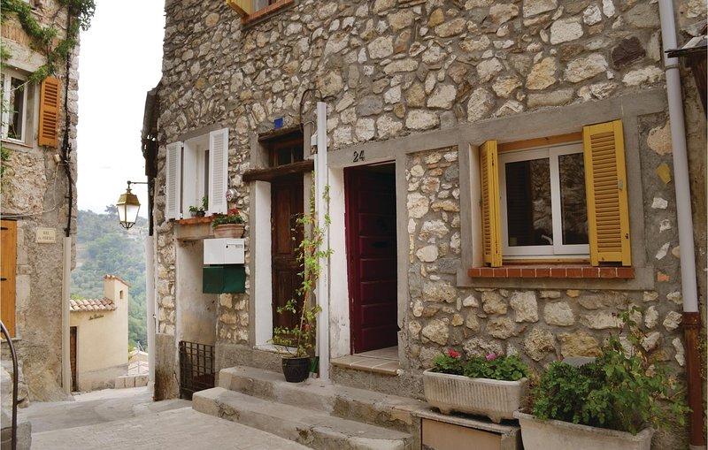 Amazing home in La Roquette sur Var with 2 Bedrooms (FCA608), location de vacances à Gilette