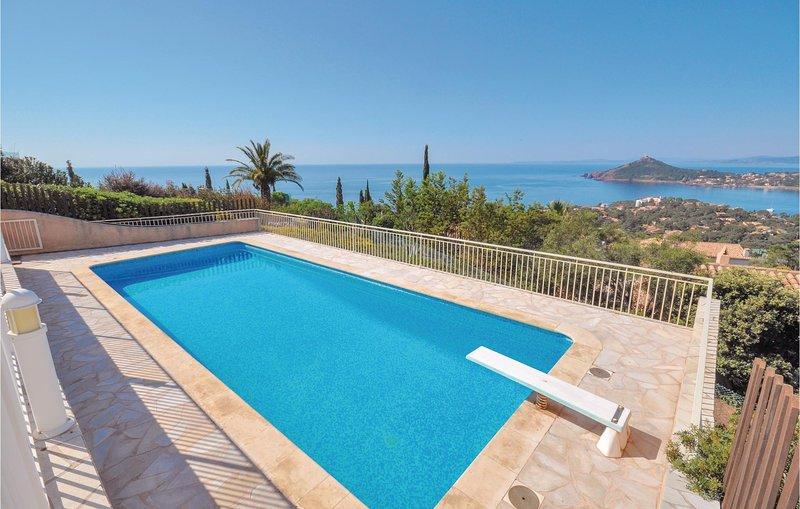 Domaine de la Bastide d'Agay (FCV073), vacation rental in Antheor
