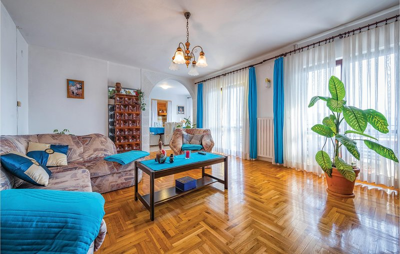 Amazing home in Fuskulin with WiFi and 3 Bedrooms (CIE857), holiday rental in Fuskulin