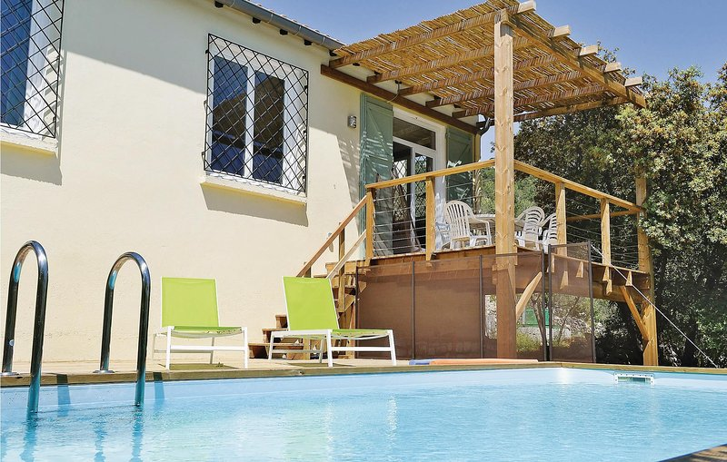 Beautiful home in Sollies Toucas with WiFi and 3 Bedrooms (FCV327), holiday rental in Belgentier