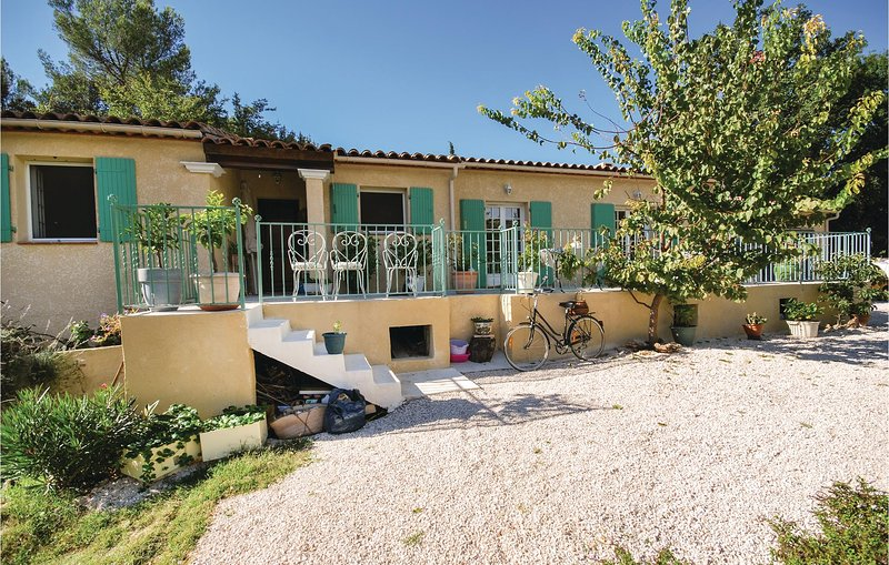 Nice home in St Anastasie s Issoles with 3 Bedrooms (FCV463), vacation rental in Forcalqueiret