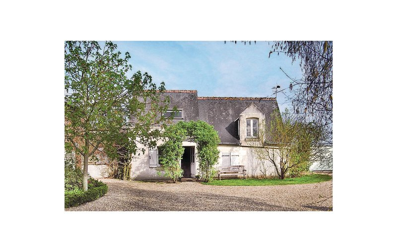 Stunning home in Restigne with 1 Bedrooms and WiFi (FEI028), holiday rental in Saint Patrice