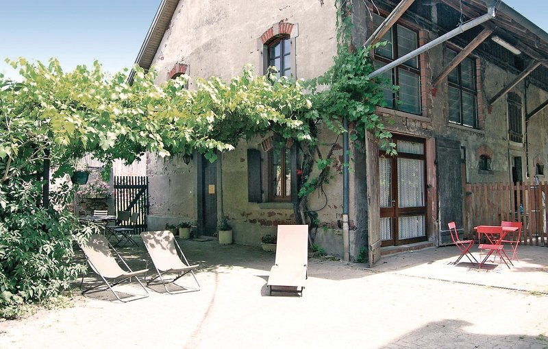 Nice home in Sand with WiFi and 3 Bedrooms (FDB013), holiday rental in Plobsheim