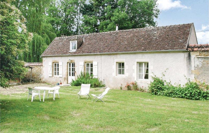 Amazing home in St. Jean Aux Amognes with WiFi and 1 Bedrooms (FGN010), location de vacances à Montapas