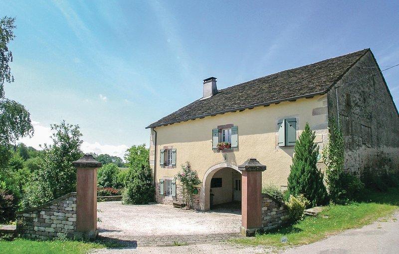 Amazing home in La Vaivre with 3 Bedrooms (FFH001), location de vacances à Saint-Loup-sur-Semouse