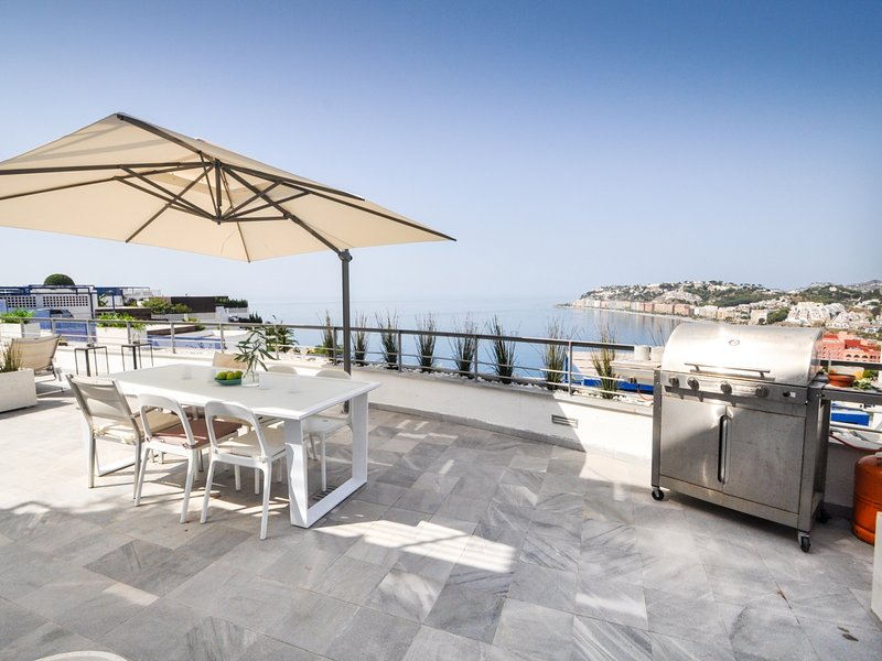 Villa Panorámico is a magnificent property with 3 bedrooms and private pool, holiday rental in Jete