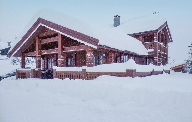 Awesome home in Trysil w/ Sauna, WiFi and 5 Bedrooms (N30085) Chalet in Trysil