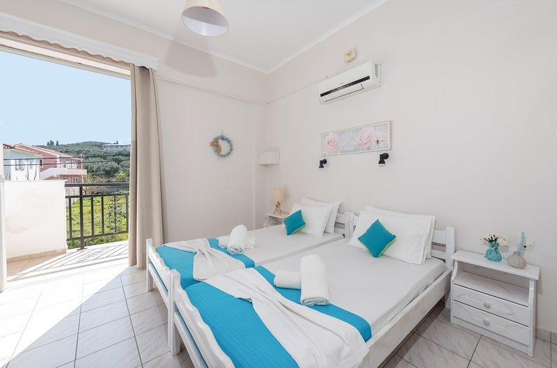 Two Bedroom Apartment (4 pax) - The Lofos Studios, aluguéis de temporada em Kallithea