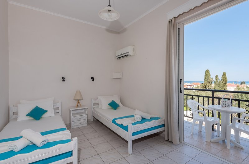 One Bedroom Apartment (3 pax) - The Lofos Studios, vacation rental in Katastari