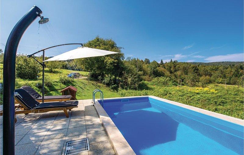 Stunning home in Lukovdol with WiFi and 3 Bedrooms (CKB194), holiday rental in Bosiljevo