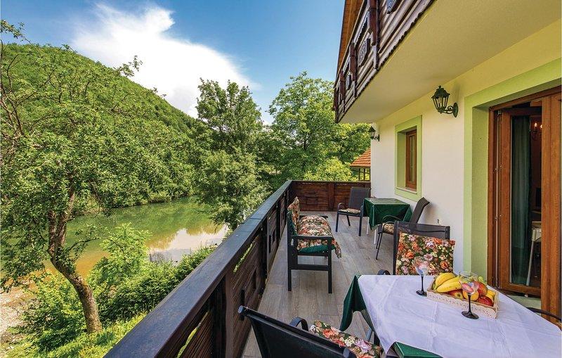 Stunning home in Brod na Kupi with Sauna and 3 Bedrooms (CKB236), holiday rental in Brod na Kupi