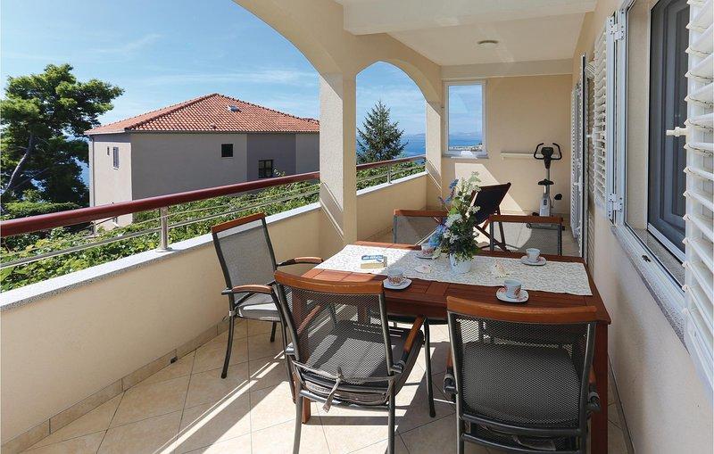 Beautiful home in Krilo Jesenice with WiFi and 3 Bedrooms (CDE403), alquiler de vacaciones en Jesenice