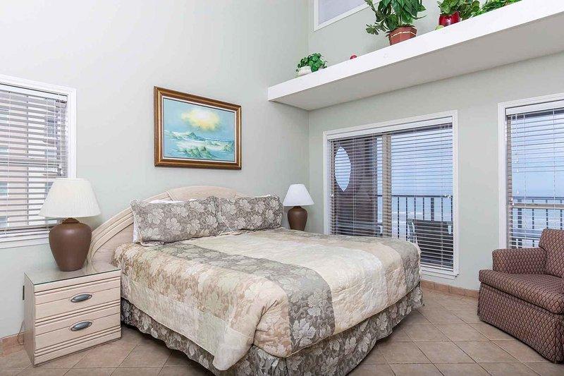 Det stora sovrummet har en fantastisk utsikt!