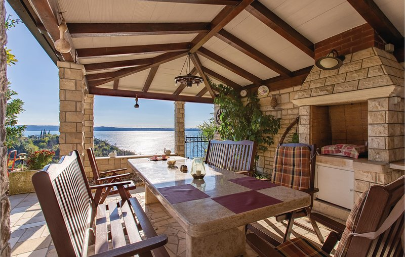 Stunning home in Piran with WiFi and 0 Bedrooms (SCR167), holiday rental in Piran