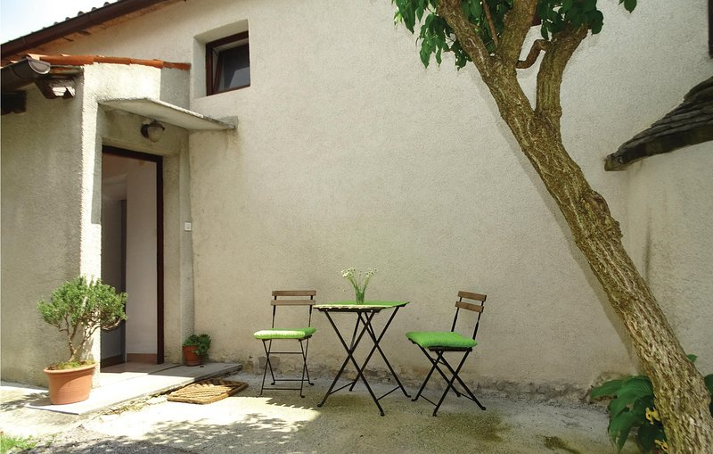 Awesome home in Stanjel with WiFi and 1 Bedrooms (SCR220), holiday rental in Hrusevje