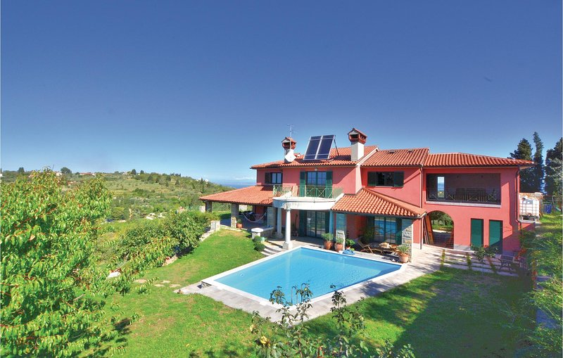 Awesome home in Portoroz with Sauna, WiFi and 3 Bedrooms (SCR259), holiday rental in Portoroz