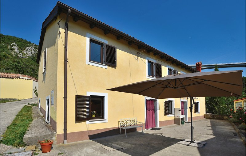 Stunning home in Crni Kal with WiFi and 4 Bedrooms (SCR279), holiday rental in Crni Kal