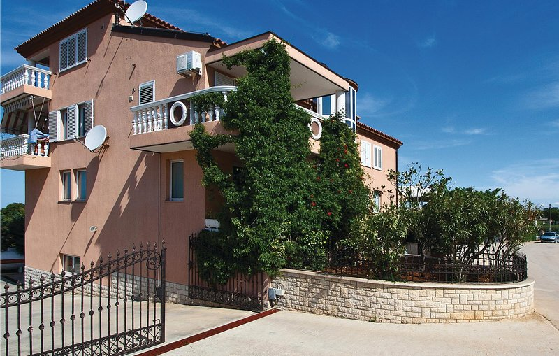Amazing home in Galizana with WiFi and 1 Bedrooms (CIP557), holiday rental in Galizana