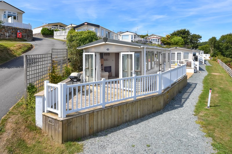 Stylish and contemporary lodge on a luxury chalet park - B12, Tal y Fan (B12TAL), aluguéis de temporada em Abersoch