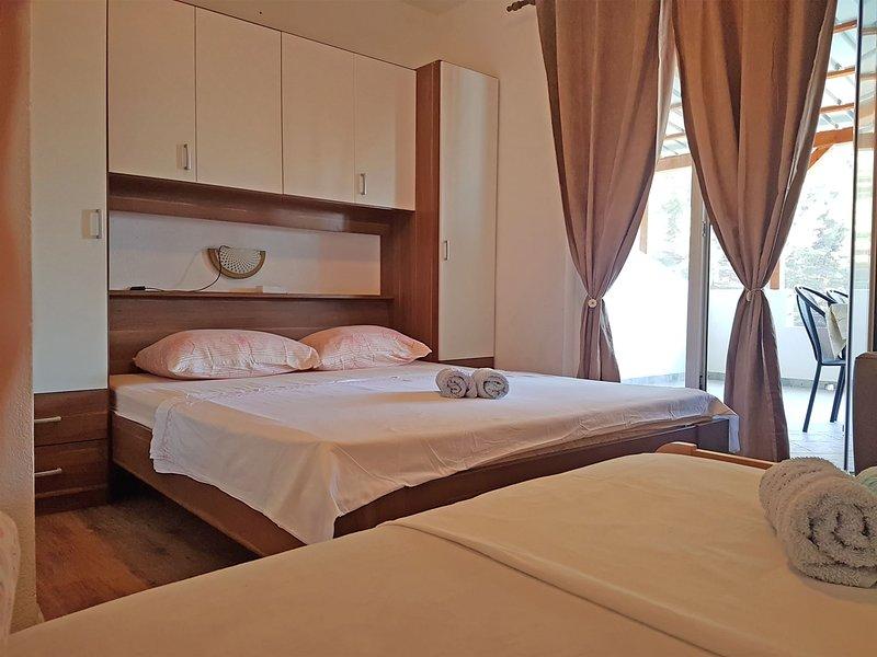 Apartments Jelena, location de vacances à Bogomolje