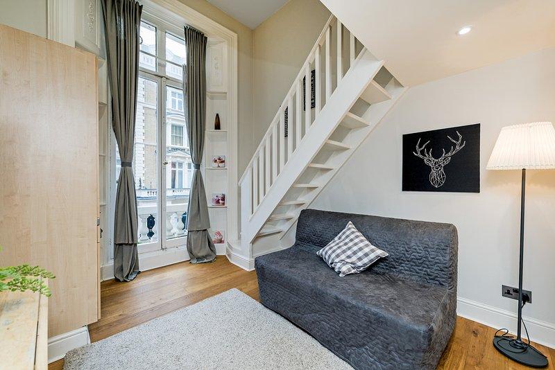 12 / 43 Split level Studio Flat with Lovely Balcony, aluguéis de temporada em Willesden