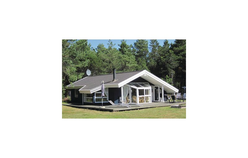Nice home in Ålbæk w/ Sauna and 3 Bedrooms (A16386), holiday rental in Hulsig