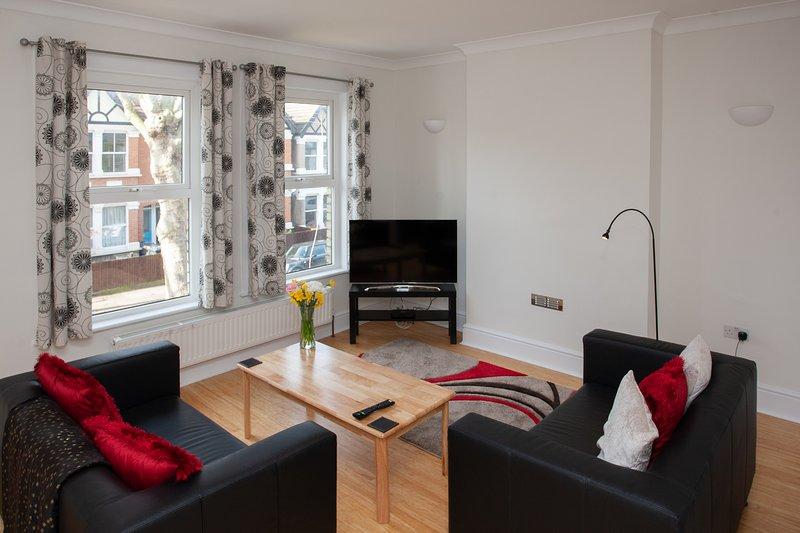 Hanwell Village Apartment, alquiler vacacional en Ealing