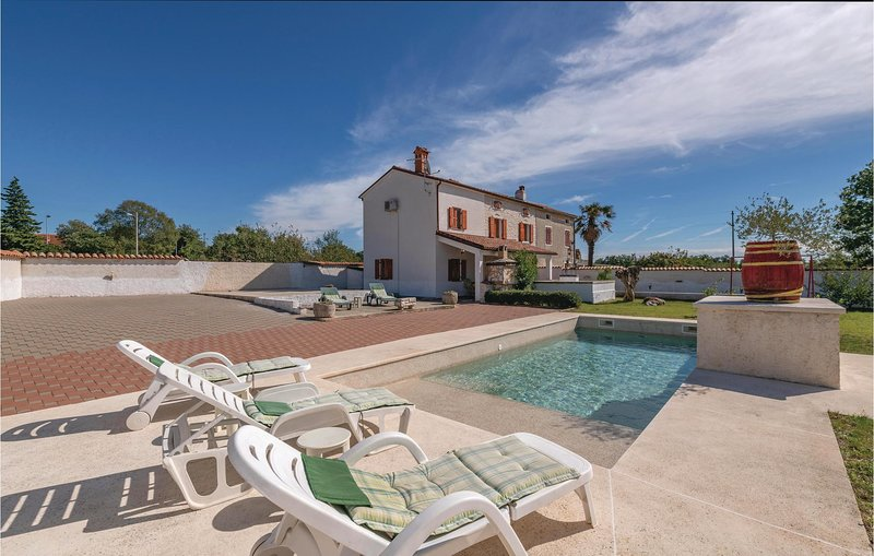 Awesome home in Hrboki with 3 Bedrooms (CIL631), location de vacances à Rebici