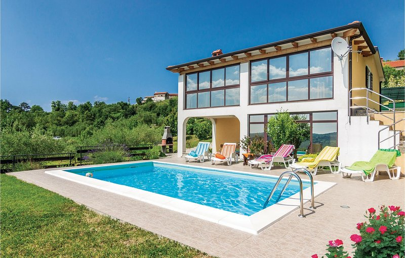 Stunning home in Meloni with Sauna, WiFi and 4 Bedrooms (CIL681), holiday rental in Karojba