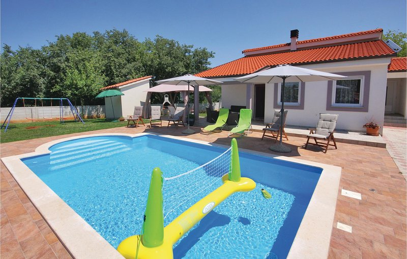 Awesome home in Barban with WiFi and 3 Bedrooms (CIL834), aluguéis de temporada em Barban