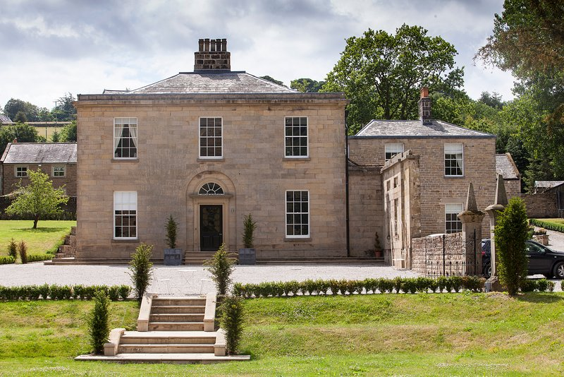 Grassfield Hall Luxury Country House, holiday rental in Summerbridge