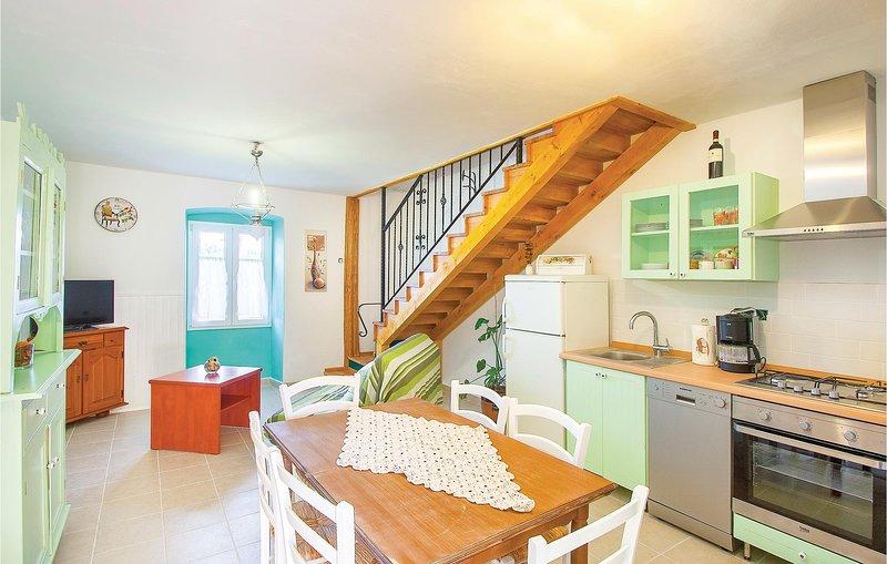 Nice home in Cokuni with WiFi and 1 Bedrooms (CIO026), casa vacanza a Segotici