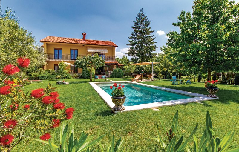 Amazing home in Marcana with WiFi and 6 Bedrooms (CIO020), holiday rental in Marcana