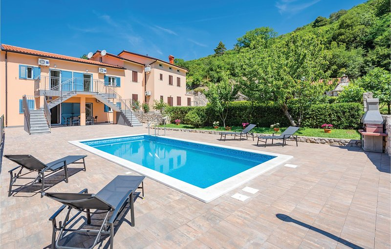 Nice home in Plomin with WiFi and 3 Bedrooms (CIO162), vacation rental in Plomin