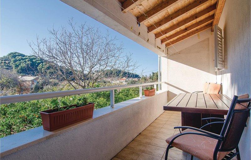Amazing home in Zuljana with WiFi and 2 Bedrooms (CDP292), location de vacances à Zuljana