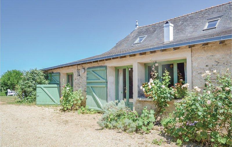 Stunning home in St Jean des Mauvrets with 2 Bedrooms (FVM032), Ferienwohnung in Murs-Erigne