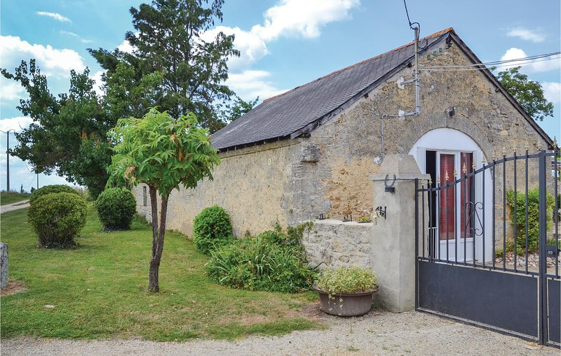 Vineyard Barn (FVM035), holiday rental in Noyant-la-Plaine
