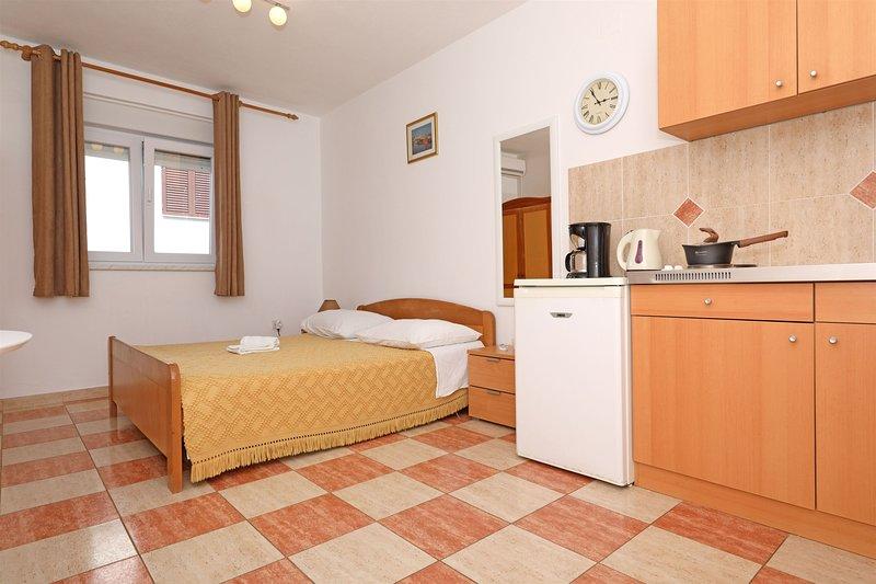 Apartments Tonći Gligora, Ferienwohnung in Mandre