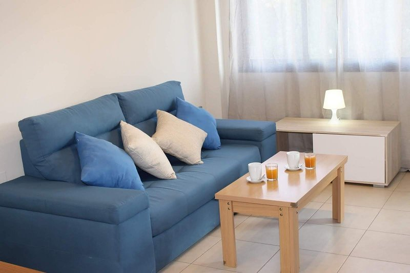 Amazing apt with pool access & Wifi, holiday rental in Torrellano