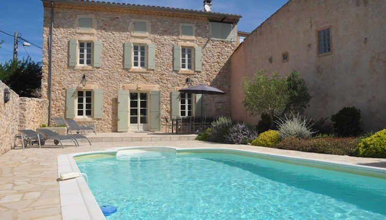 Maison Du Bijou- Farmhouse in Minervois vineyards with pool (sleeps 8), holiday rental in Assignan