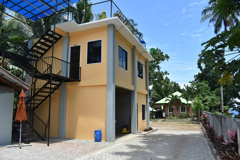 Seaside Traveler's Inn by: Camiguin island Vacation Home, holiday rental in Catarman