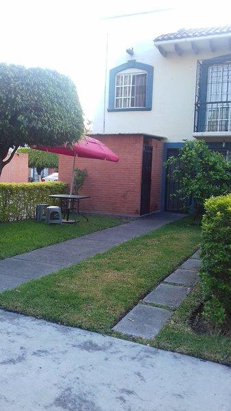 CASA CAMPESTRE PARA VACACIONES Y FIN DE SEMANA EQUIPADA, holiday rental in Yautepec