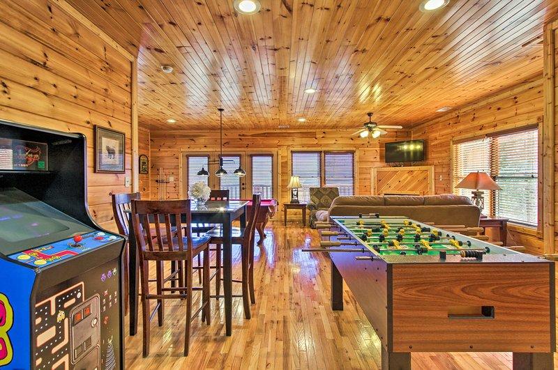 En el interior, encontrarás 1 dormitorio, 2 baños e incluso una sala de juegos.