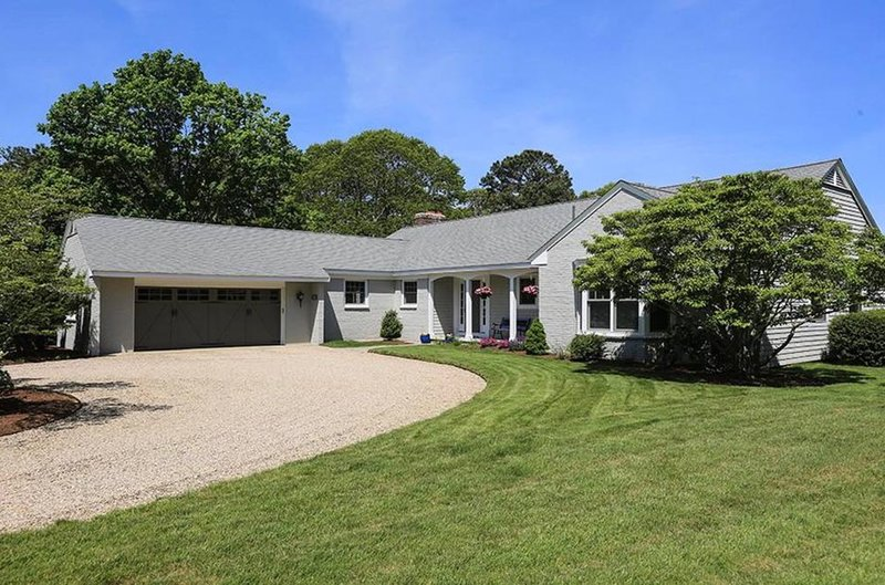 Stunning water views and quality property in private location, vacation rental in Yarmouth Port
