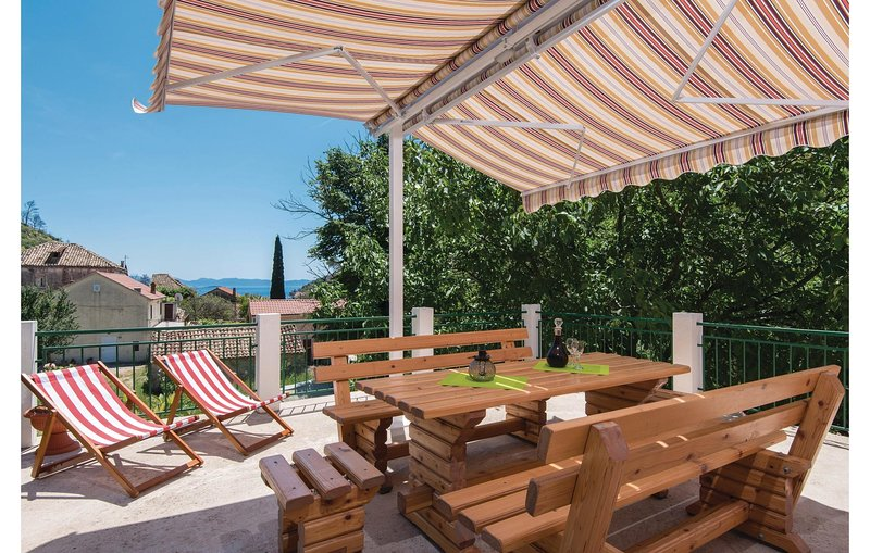 Awesome home in Trstenik with WiFi and 4 Bedrooms (CDP215), holiday rental in Trstenik