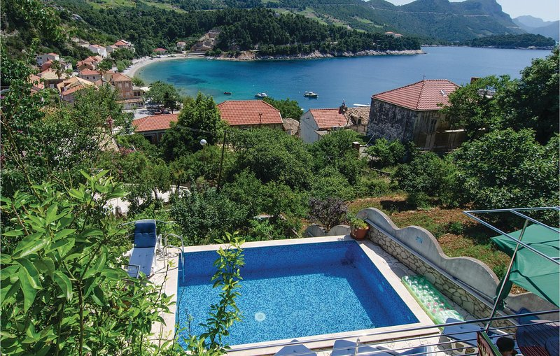 Stunning home in Trstenik with WiFi and 1 Bedrooms (CDP267), holiday rental in Trstenik