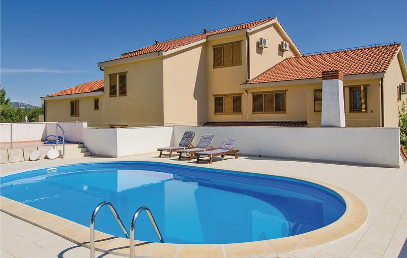 Awesome home in Orebic with Sauna, WiFi and 2 Bedrooms (CDP264), casa vacanza a Donja Vrucica