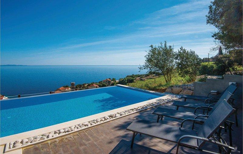 Amazing home in Podobuce with WiFi and 3 Bedrooms (CDP155), alquiler de vacaciones en Podobuce