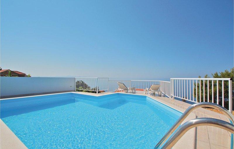 Amazing home in Dingac-Potocine with WiFi and 2 Bedrooms (CDP351), alquiler de vacaciones en Podobuce